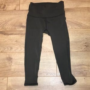 Lululemon green side mesh cropped legging